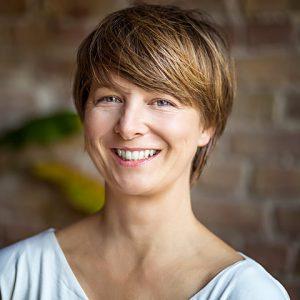 Yoga für Ältere 10. - 12.5.19 Fortbildung für Yogalehrer mit Sabine Klein